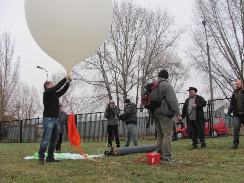 Balon odleciał o godz. 12.00 (Joanna Smolińska/tvnwarszawa.pl)