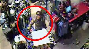 Ukradła portfel z wózka,w którym siedziało dziecko