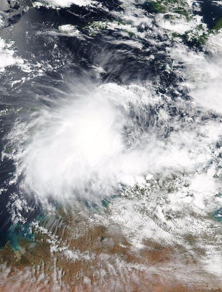 Zdjęcie satelitarne z 4 kwietnia cyklonu Wallace (NASA)