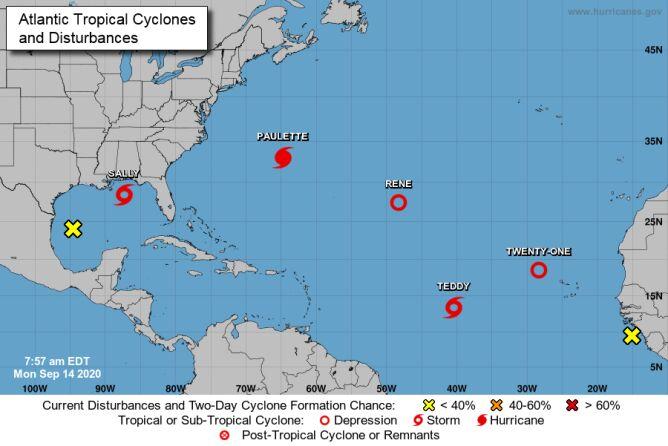 Sytuacja pogodowa na Atlantyku (NHC)