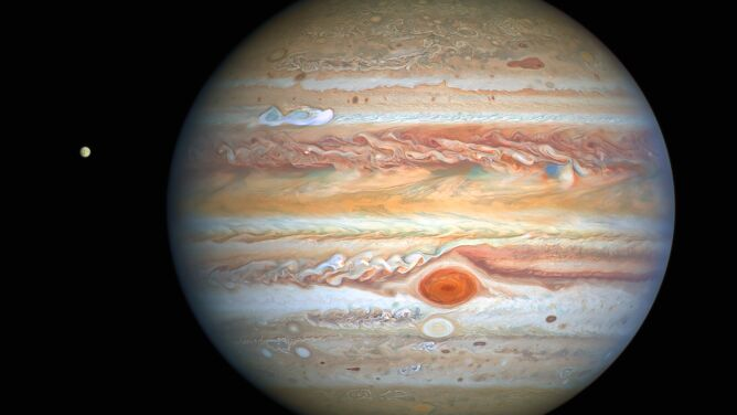 Jowisz i Europa na jednym zdjęciu