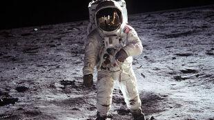 Księżycowy pył groźniejszy od azbestu