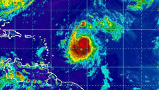 Leslie powoli sunie przez Atlantyk. Niebawem stanie się huraganem