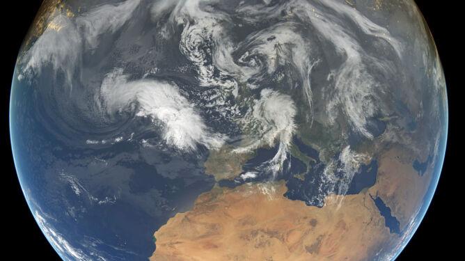 Lato astronomiczne nie idzie w parze z termicznym. <br />Wyjaśniamy jak to się dzieje